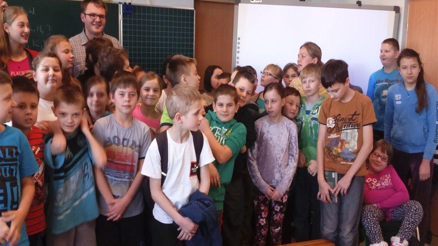 Wizyta lekarza w Szkole Integracyjnej w Szalejowie Górnym