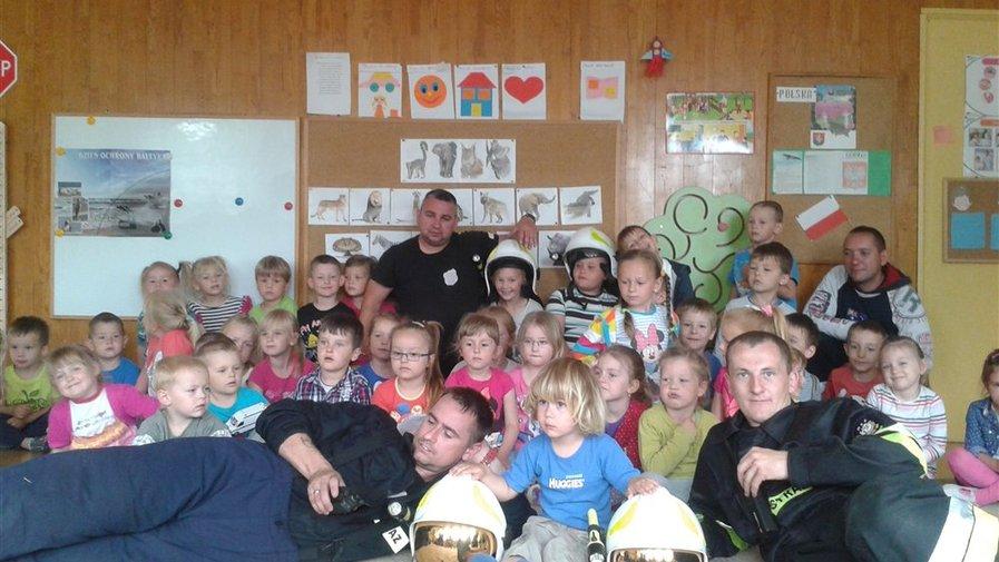 Próbna ewakuacja w przedszkolu w Krosnowicach