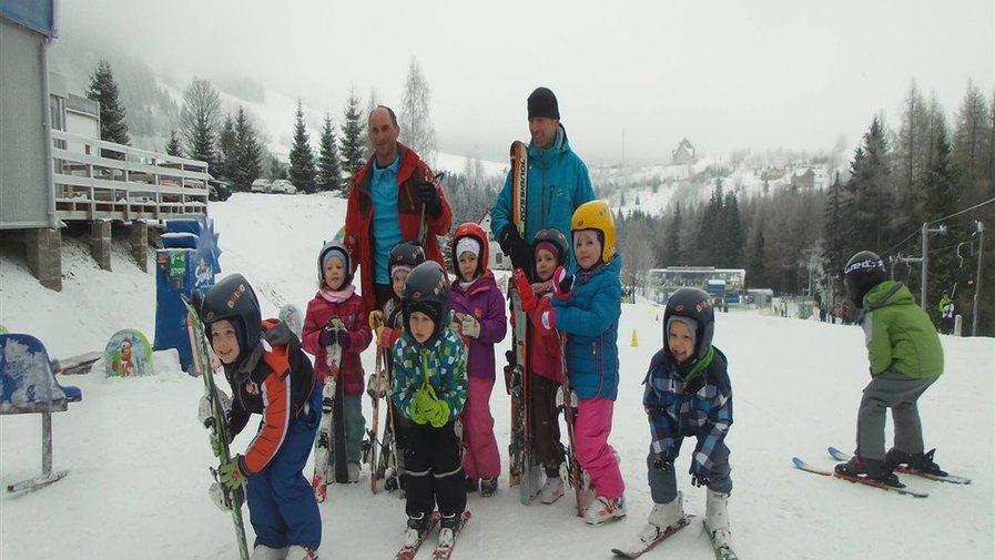 Przedszkolaki na stokach narciarskich