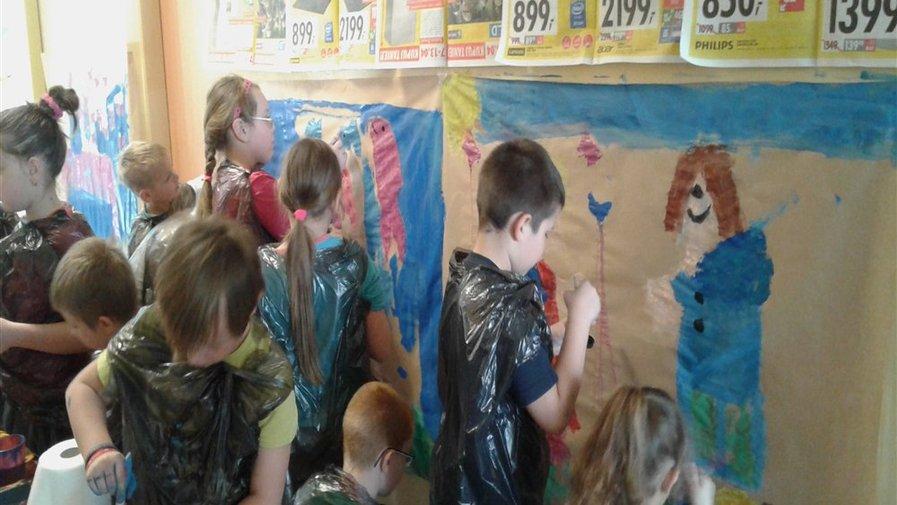 Mural na szkolnym korytarzu – Szalejów Górny