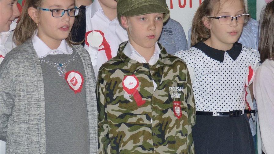 Obchody 11 listopada w Szkole Podstawowej w Krosnowicach